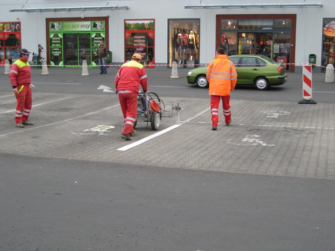 Obnova vodorovného dopravního značení (Kaufland Děčín)